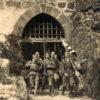 En avant parcourant le monde... Porte du chateau de Ludwigstein - 1921